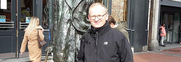 Pater Brandl beim Sightseeing in Irland