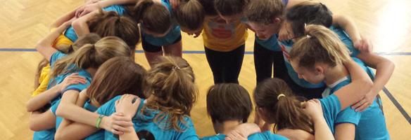 Gemeinschaft im Volleyballunterricht